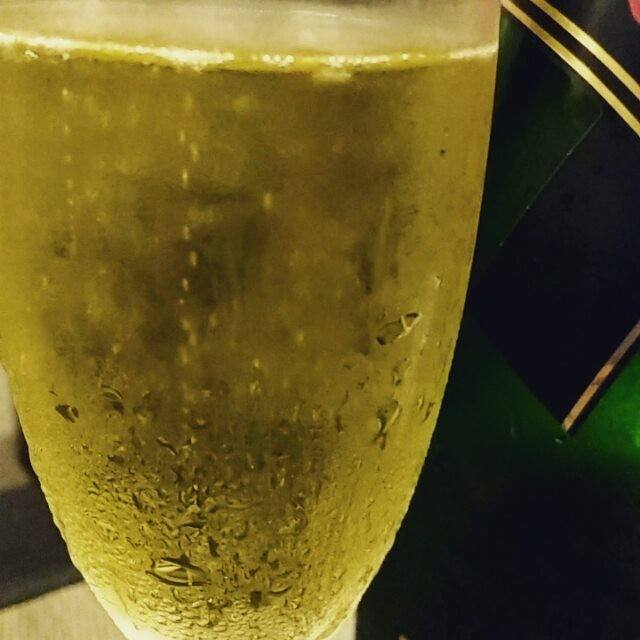 Sabe qual a melhor hora para um bom Champagne? …
