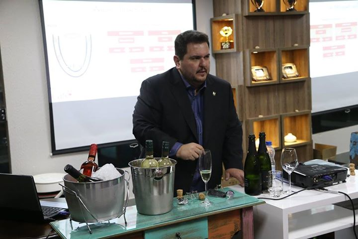 1ª Confraria Wine Lovers Cats? Goiânia-GO …
