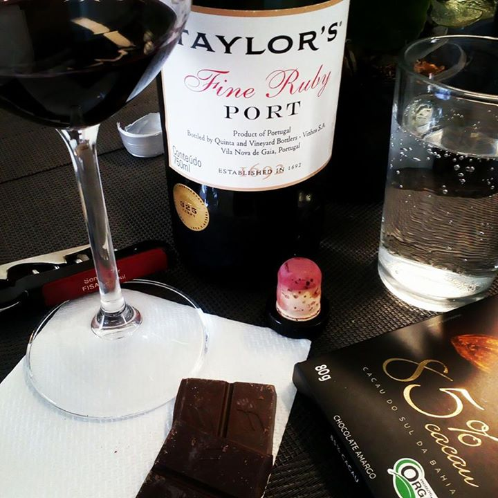 Vinho Porto Ruby e Chocolate 85%