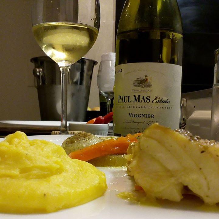 Um belíssimo vinho branco, aromático e com bom …