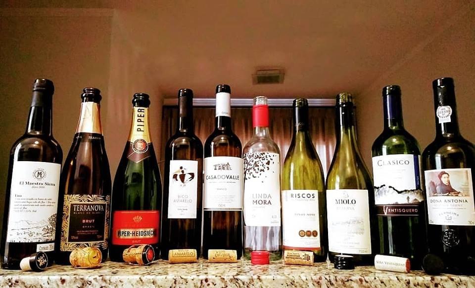 A semana de Carnaval acabou e os vinhos desta semana festiva foram diversificados. Espumantes, brancos, rosés e também tintos leves/médios, Porto e até Jerez Fino.