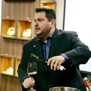 Marcelo Bernardo Personal Sommelier